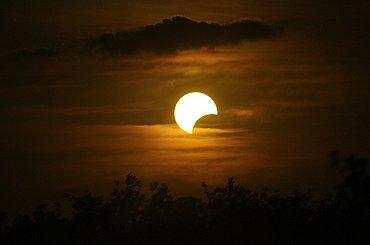 ČEPS: Zatmění Slunce zapříčinilo pokles výroby fotovoltaik, problémy nezpůsobilo