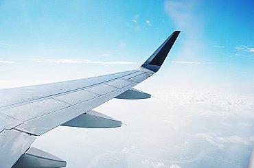 Otřesené letectví zachraňuje nákladní doprava, společnosti se přizpůsobují