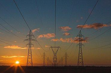 Vysoká cena emisních povolenek vyhnala cenu elektřinu v Německu nad sousední Francii