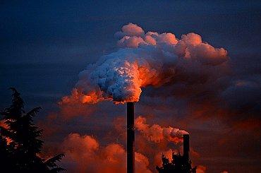 E15: Konec uhlí vyjde teplárny podle studie ČVUT na zhruba sto miliard korun