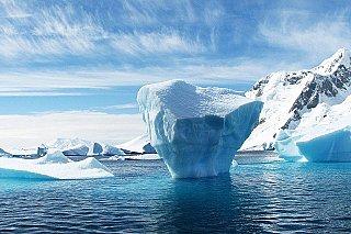 Třetina antarktických šelfových ledovců se zhroutí, pokud se Země oteplí o 4 stupně