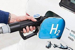 Cena vodíku pro auta by se mohla vyrovnat naftě do šesti let, plánuje vládní strategie